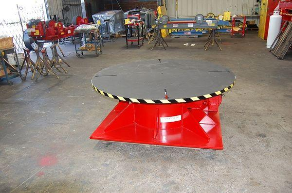 Weldwire Floor Turntable: Angled View